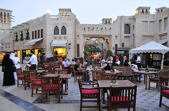Al fresco coffee in Dubai